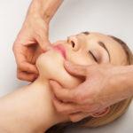 Liftingová masáž obličeje